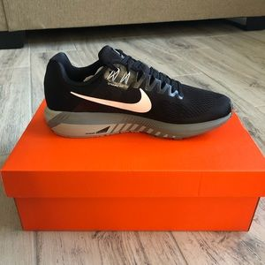 Nike Zoom Structure Size 10 - Never Worn